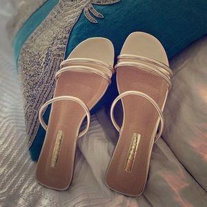 Isla Light Gold Metallic Sandals